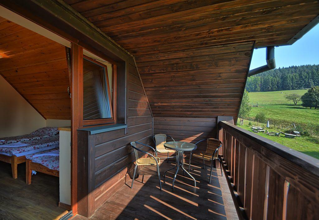 Pokój z balkonem widok Rabe 1024x707 - Dom Na Skale Rabe